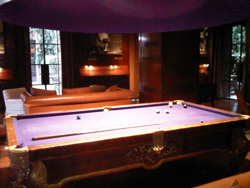 Hudon hotel pool